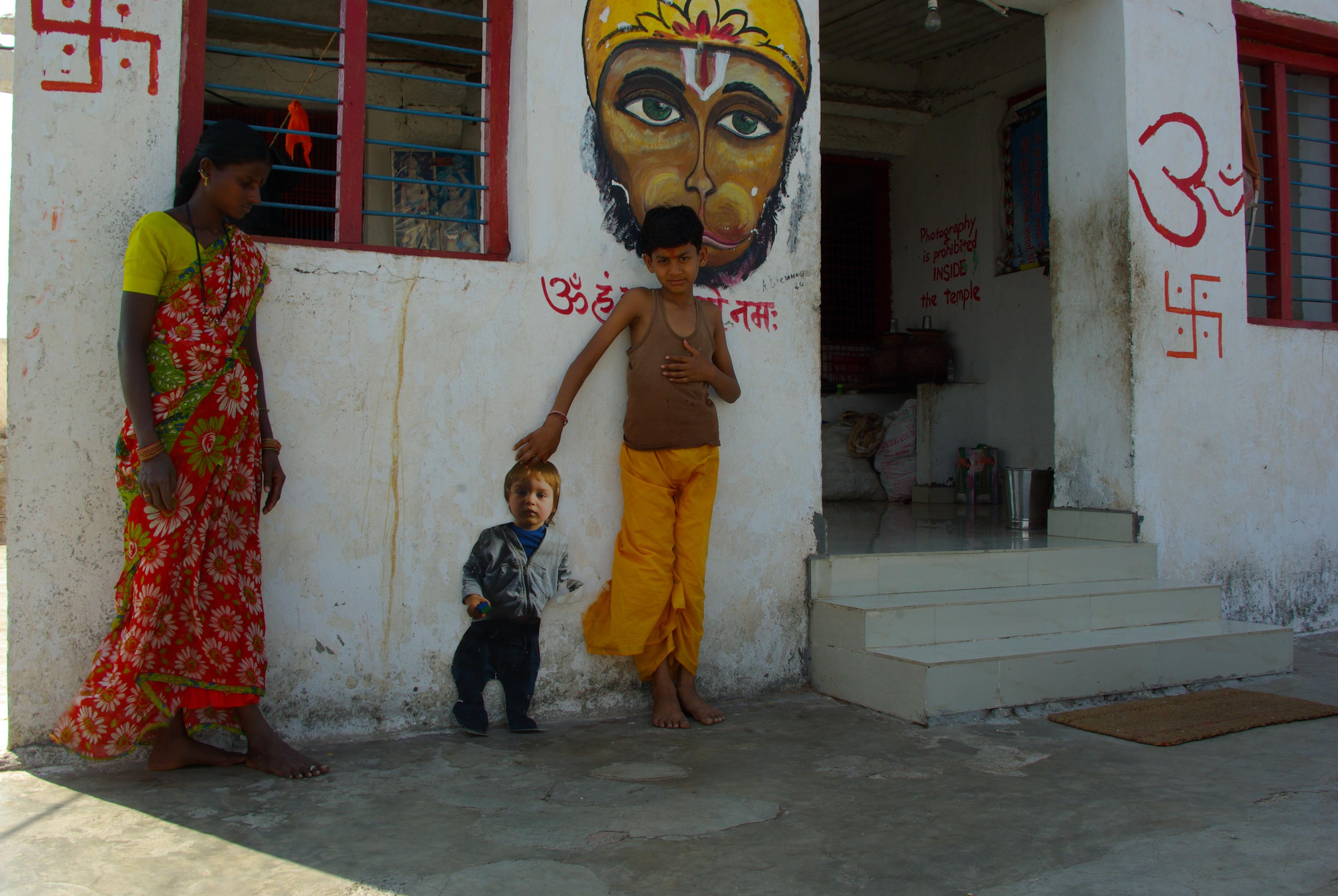 Brother in India, C-Print, 90 x 60 cm